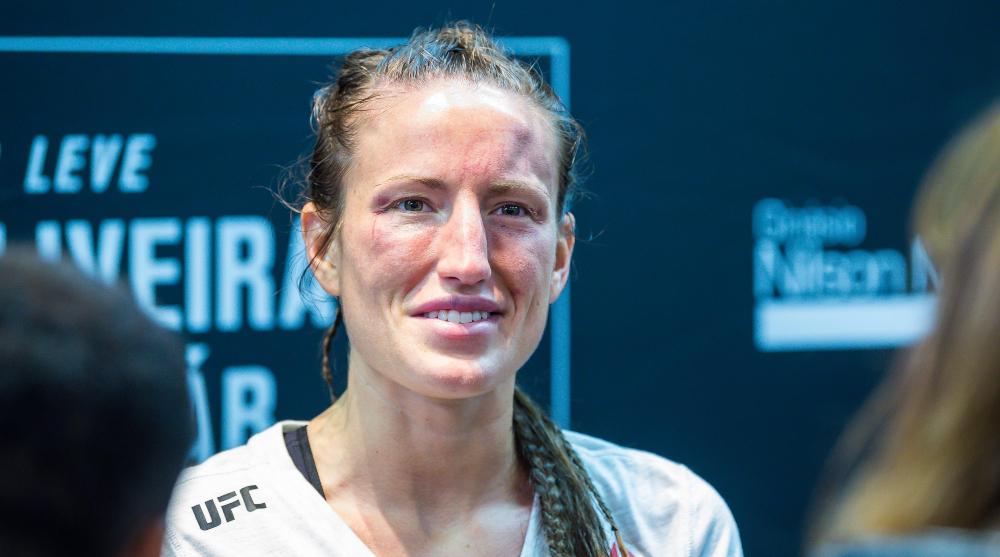 Bea Malecki UFC MMA Frontkick online lista
