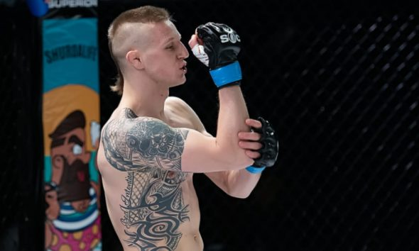 Svensk MMA Tobias Harila Cage Warriors debut MMA Frontkick Online