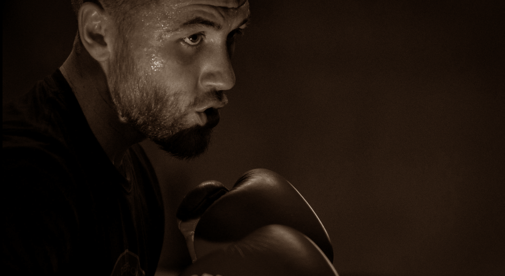Adam Chartoi MMA Frontkick.online boxning